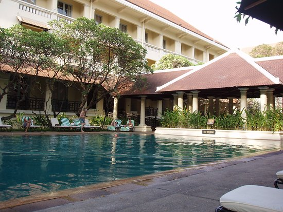 Raffles Hotel Le Royal: Main Pool