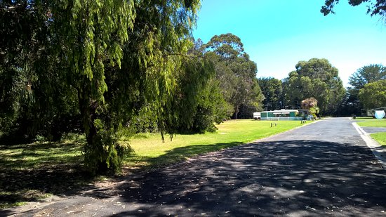 Millicent Lakeside Caravan Park: Great Open Spaces to camp