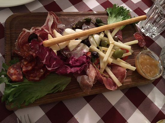 Photo of Italian Restaurant La Dolce Vita at Kompanii 10, Tartu 51007, Estonia