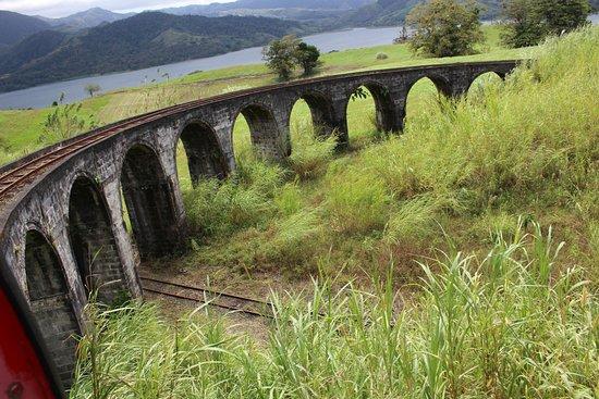 Nuevo Arenal, Costa Rica: Un air de Brusio