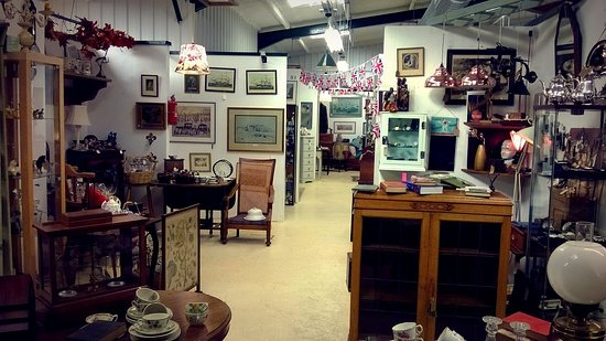 Banbury, UK: Good selection of antiques and vintage collectables