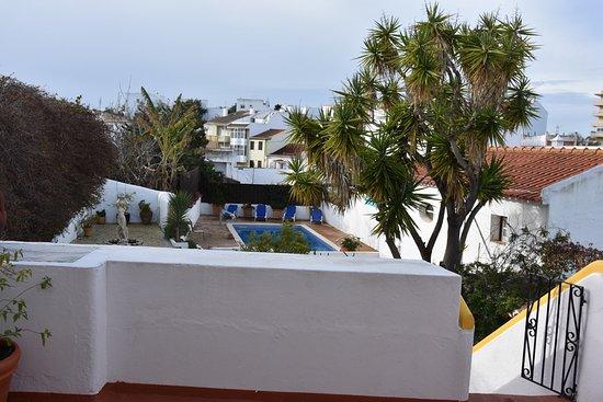 Rio Arade Manor House: Vue de l'arrière de l'hôtel