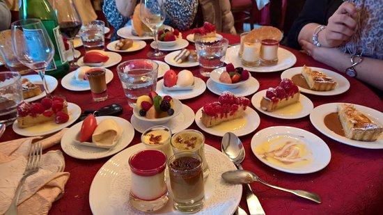 Eymet, Francia: Farandole de desserts