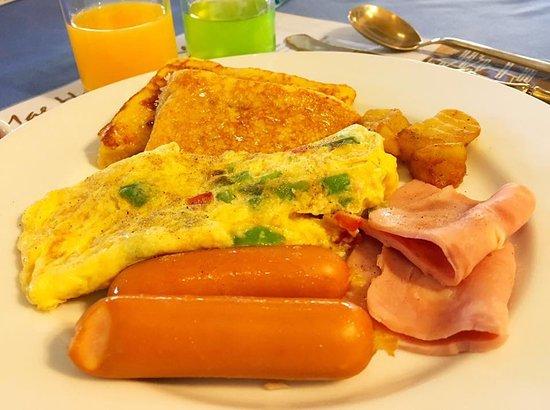 Imperial Mae Hong Son Resort: Omelette จืดมาก