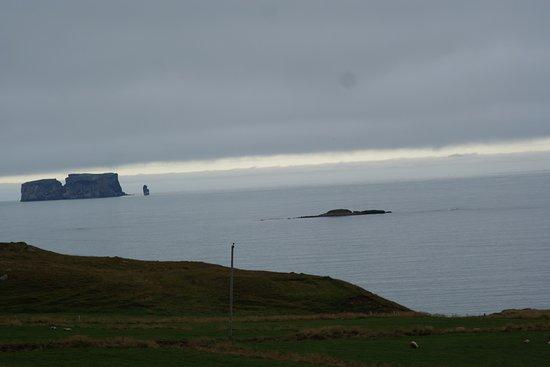 Saudarkrokur, Island: вид на море и скалы Греттислауг
