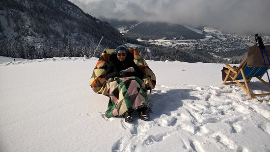Hotel Helga: Rest day up the mountain watching the skiiers
