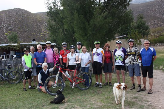 Good Hope Farm: Taryn catered for this hungary mob of ancient cyclists. Boma is in the background