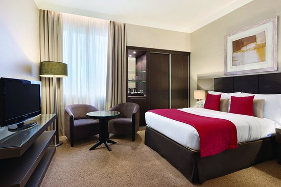 Ramada Abu Dhabi Downtown: Queen Superior room