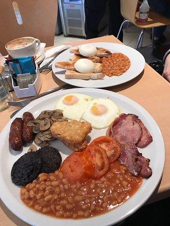 Farnham Common, UK: Great breakfast
