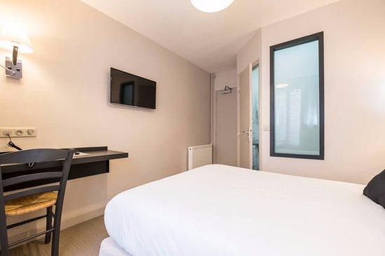 Chambre Double Avec Salle De Bain Prive Photo De Hotel Bonsejour