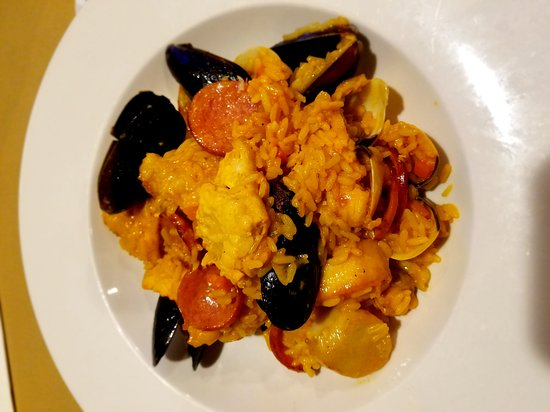 Hanover Eatery : Paella, dinner special