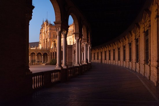 Heart of Sevilla Free Tours