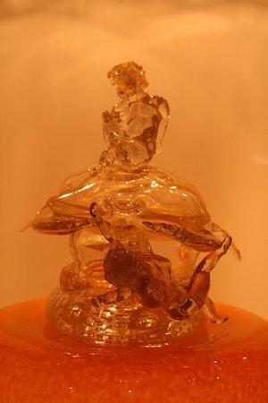 Corning, نيويورك: A sculpture made of glss