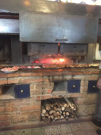 Fabro, Italie : Una griglia fantastica!!!