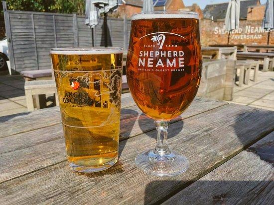 The Bishops Finger: Sunny beer garden beer