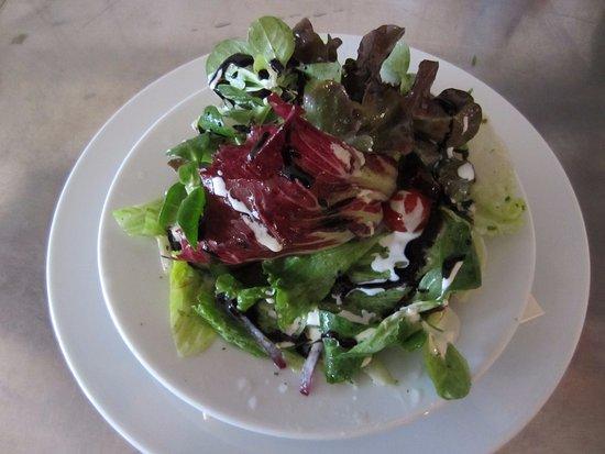 Russbach am Pass Gschutt, Austria: Kleiner gemischter Salat