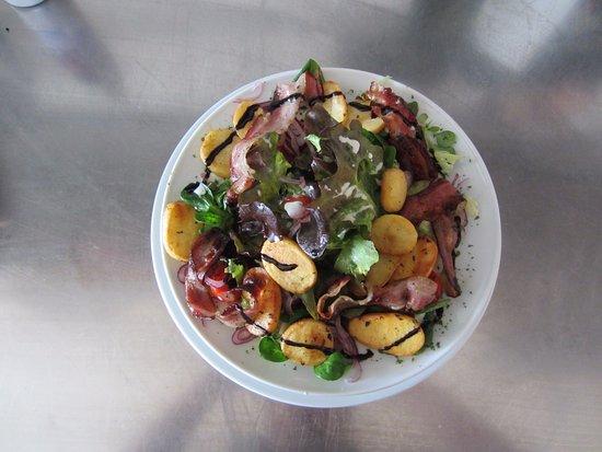 """Russbach am Pass Gschutt, Austria: Salat """" Coltivatore """""""