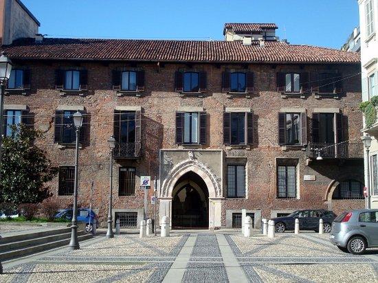 Antico Palazzo Borromeo