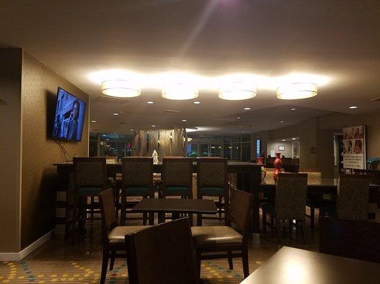 Holiday Inn Seattle - Issaquah: 20170310_204413_large.jpg