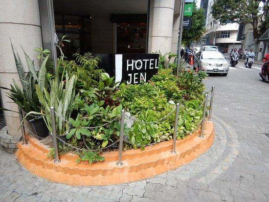 Hotel Jen Male Picture