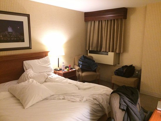 Inn of Chicago: One king bed room on 7th floor