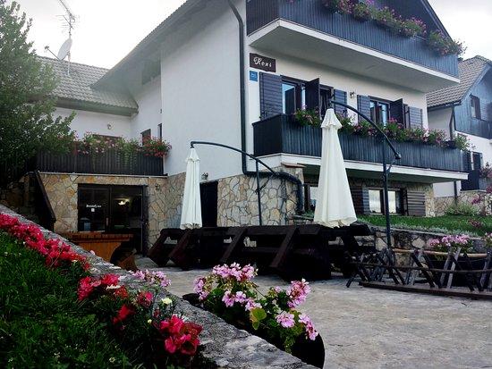 Plitvica, Hırvatistan: Plitvice lakes Green garden house