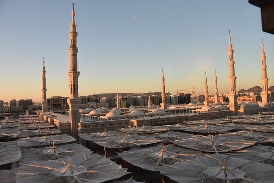 Madina Oberoi: best view from our room of Grand Masjid (day time)