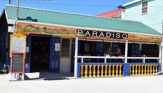 Paradiso Cafe: Front of restaurant