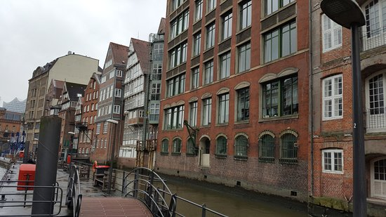 Deichstrasse: The street and canal.