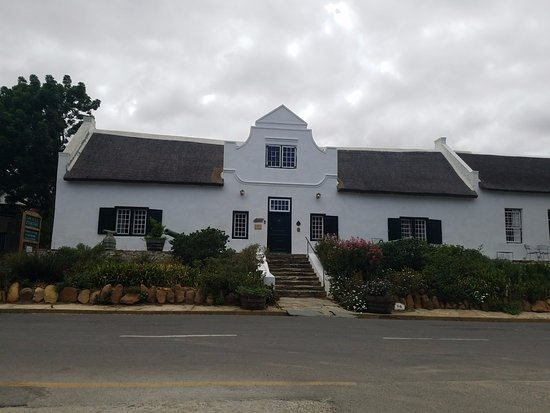 Tulbagh Travellers Lodge - Cape Dutch Quarters