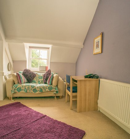 Blakesley, UK: pink room
