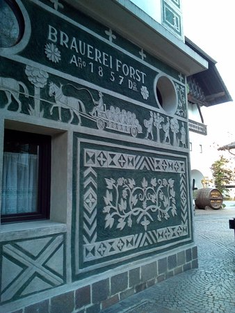Esterno bild von braugarten forst giardino forst all for Giardino forst