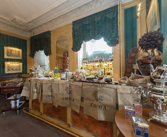 Bar at the Hotel Beau-Rivage Geneva