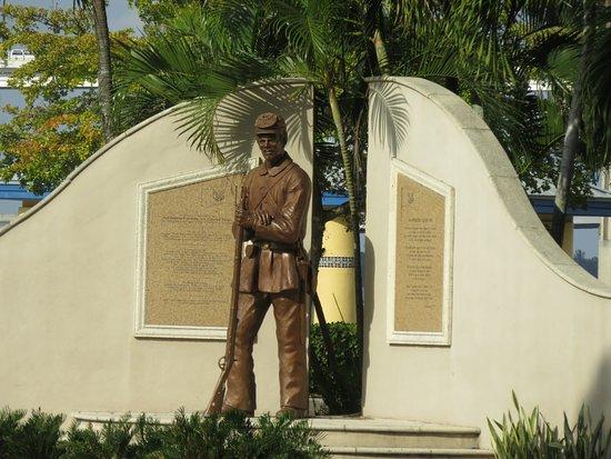 Centennial Park: A War Memorial