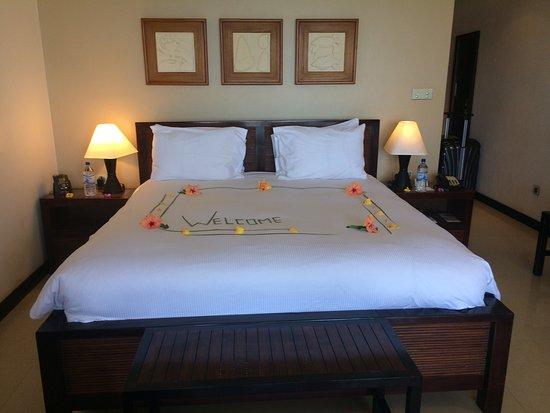 Anse Forbans, Seychelles: Hotel a première vue magnifique plage Et piscine parfait chambres spacieuses mais pour un Hilton
