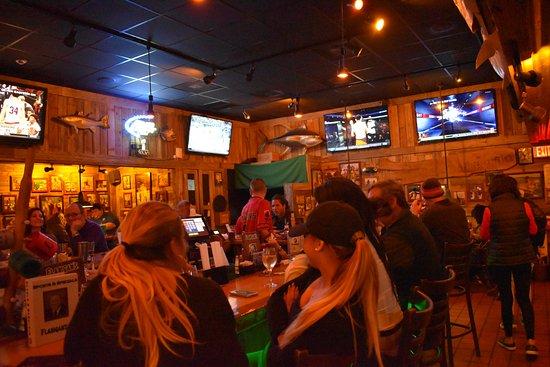 Flanigan's Seafood Bar & Grill : salon