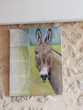 Villefranche-de-Lonchat, Francia: des toiles dans ce restaurants, très joli !!!