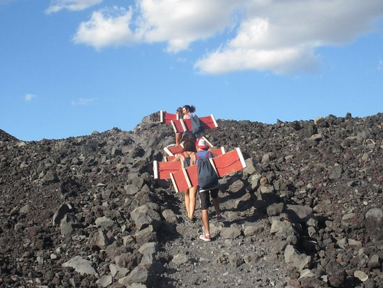 Mas Adventures: Anry was very helpfull on the climb up the Volcano!