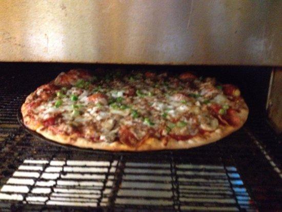 Pana, إلينوي: Thin Crust Pizza