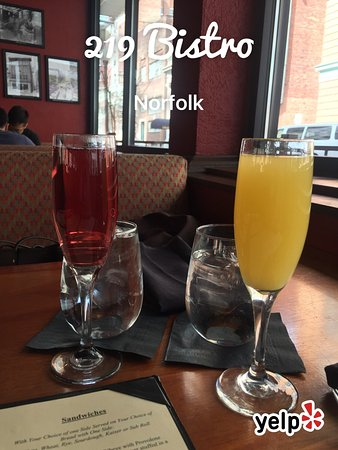 219 An American Bistro : Make your own omelet and Mimosas.