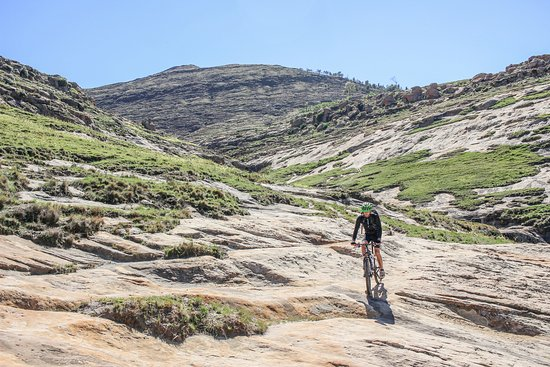 Roma Trading Post Lodge: Mountain Biking in Roma is sensational