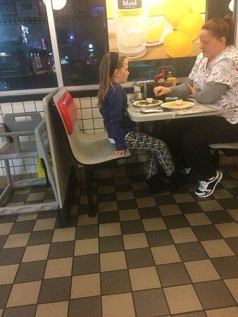 Bonner Springs, KS: Waffle House