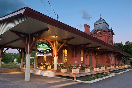 Waterbury, VT: Welcome to the Green Mountain Coffee Cafe & Visitor Center.