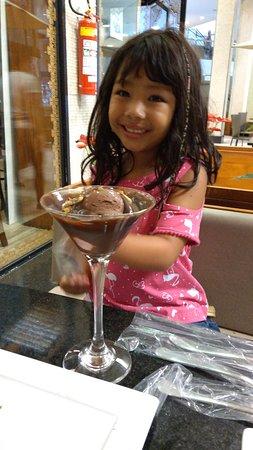 Tenda do Habib: Atenção especial do chef dá casa com a nossa filha Olga cara de felicidade dela. Com o xamego qu