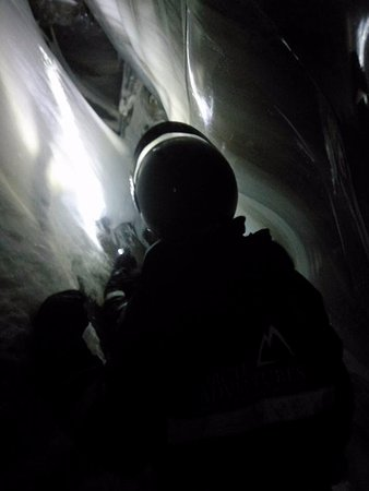 Longyearbyen, Norge: Ice cave adventure