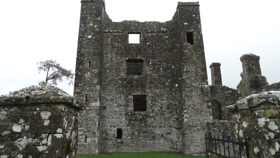 Navan, Irlanda: Entering the Abbey