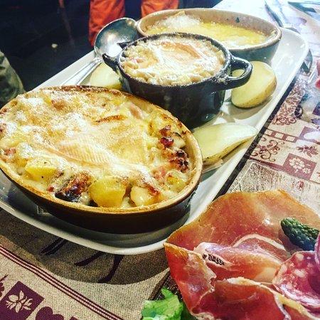 Verchaix, France : Assiette découverte (discovery plate). Awesome