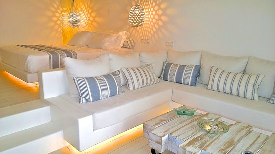 Villa Marandi Luxury Suites: Honeymoon Junior Suite