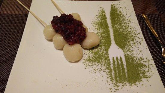 Okasan: Dango, dolcetti di riso con marmellata di azuki (fagiolini rossi dolci)