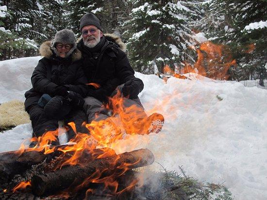 L'Anse-Saint-Jean, Kanada: repas autour d'un feu